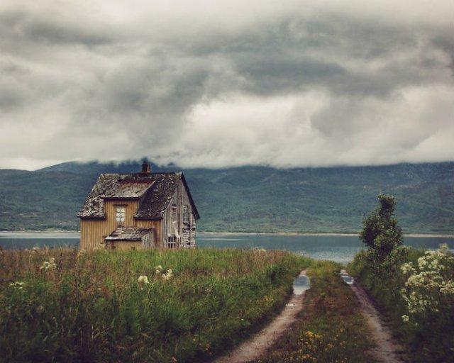 Frumusetea caselor abandonate de pe taramurile nordice - Poza 4