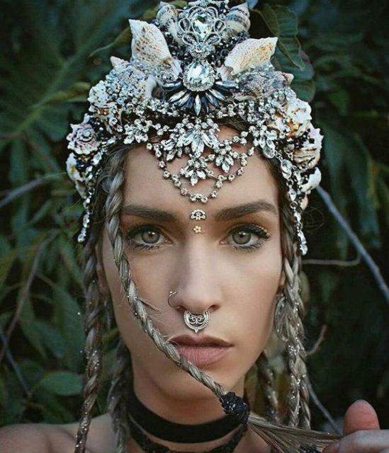 Se poarta scoicile: Coroane de sirena din cochilii - Poza 10
