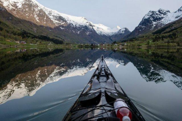 Un fotograf, un caiac si cele mai frumoase peisaje din lume - Poza 10