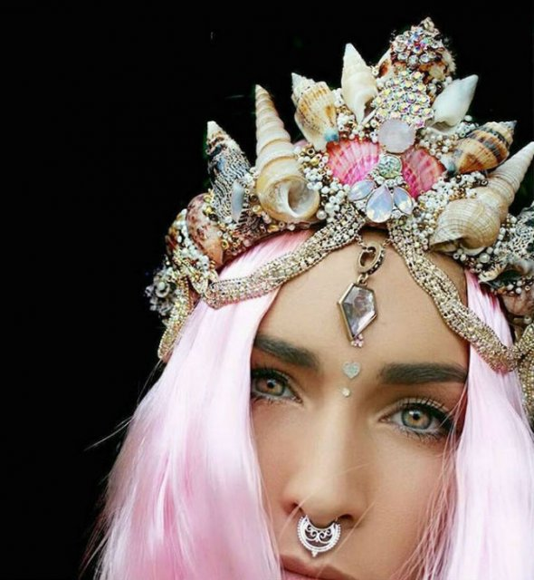 Se poarta scoicile: Coroane de sirena din cochilii - Poza 9
