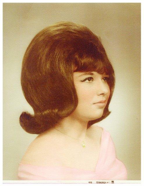 Marimea a contat mereu: Coafuri supradimensionate din anii `60 - Poza 3