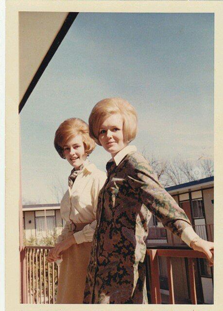 Marimea a contat mereu: Coafuri supradimensionate din anii `60 - Poza 6