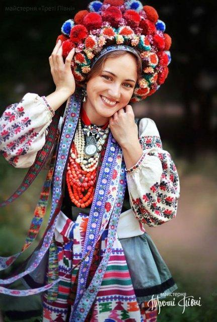 Frumusetea traditionala a femeilor ucrainiene - Poza 8