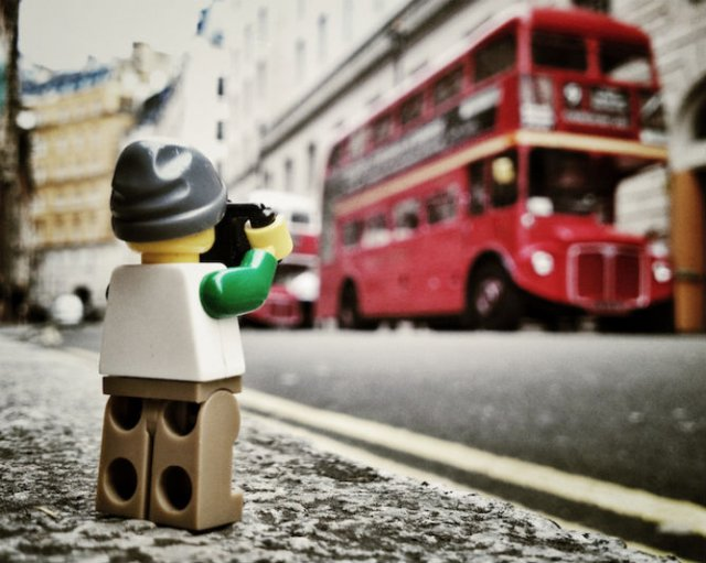 Aventurile unui omulet Lego prin Londra - Poza 2