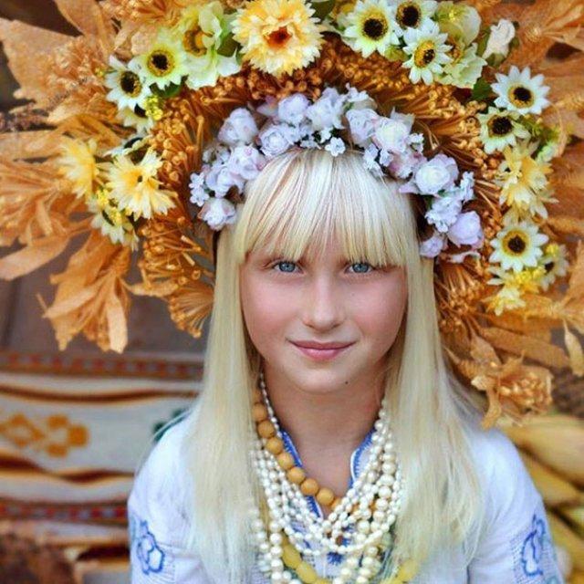 Frumusetea traditionala a femeilor ucrainiene - Poza 7