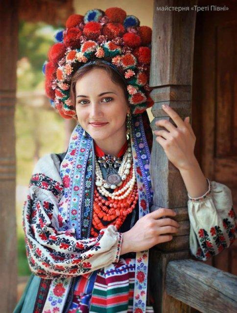 Frumusetea traditionala a femeilor ucrainiene - Poza 6