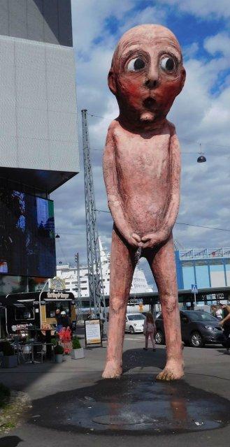 Cele mai ciudate statui din lume - Poza 12
