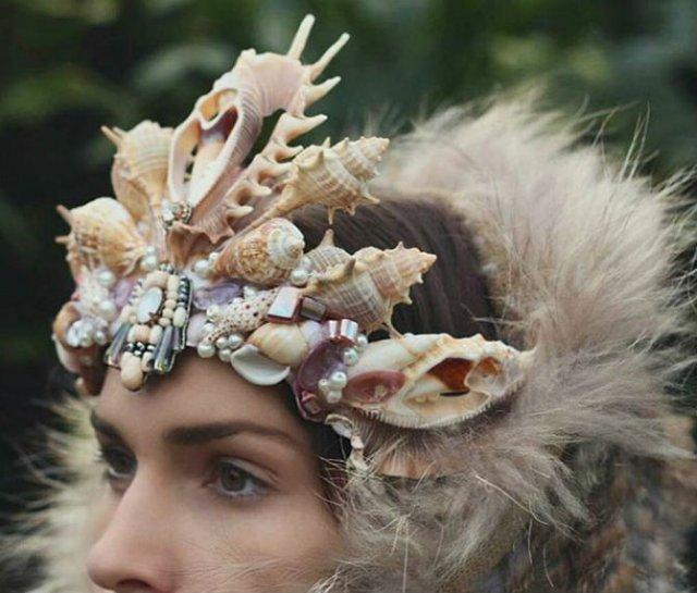 In ton cu vara: Coroane de sirena din scoici
