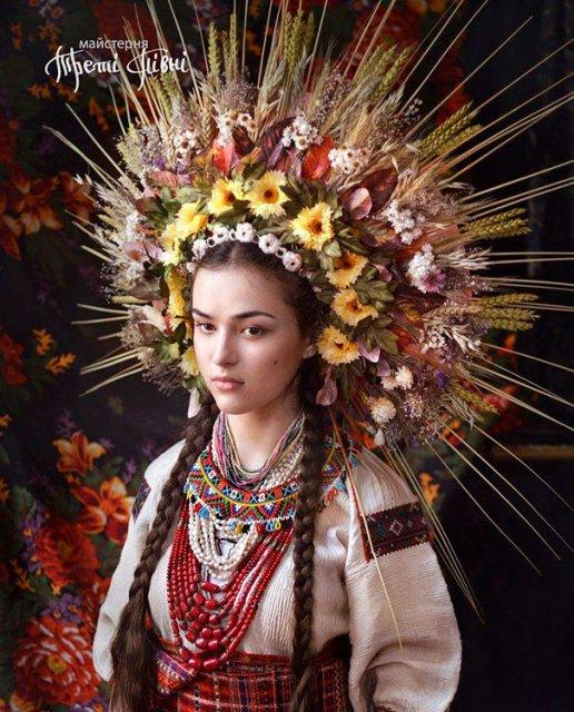 Frumusetea traditionala a femeilor ucrainiene - Poza 1