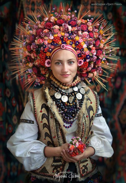 Frumusetea traditionala a femeilor ucrainiene - Poza 2