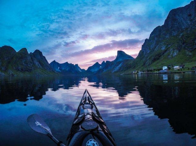 Un fotograf, un caiac si cele mai frumoase peisaje din lume - Poza 8