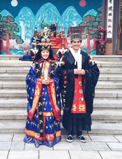 Tinute traditionale de nunta, din jurul lumii - Poza 12