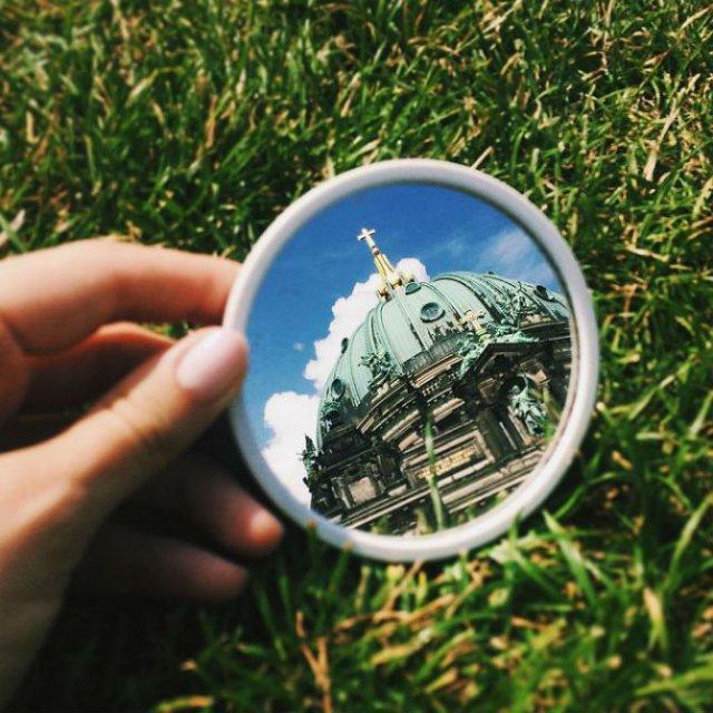 Lumea vazuta printr-o oglinda - Poza 7