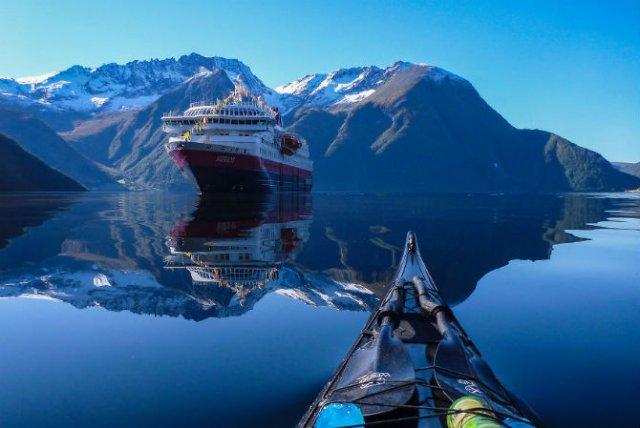 Un fotograf, un caiac si cele mai frumoase peisaje din lume - Poza 2