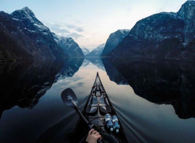 Un fotograf, un caiac si cele mai frumoase peisaje din lume - Poza 3