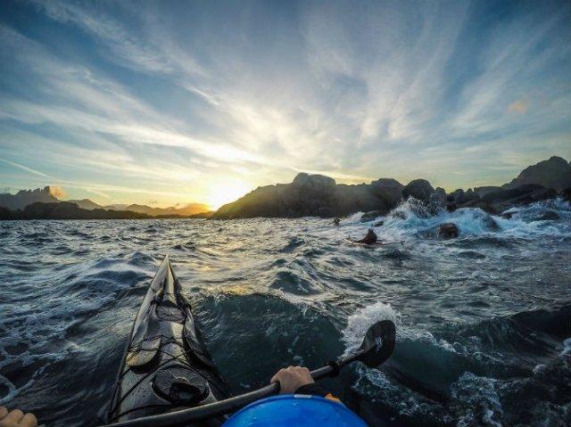 Un fotograf, un caiac si cele mai frumoase peisaje din lume - Poza 5
