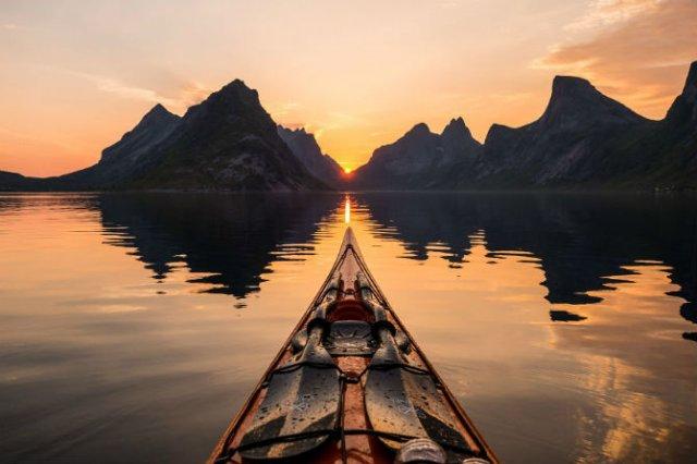 Un fotograf, un caiac si cele mai frumoase peisaje din lume - Poza 6