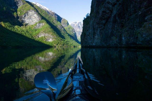 Un fotograf, un caiac si cele mai frumoase peisaje din lume - Poza 7
