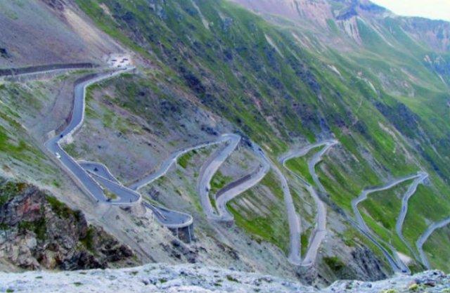 Drumuri spectaculoase din jurul lumii - Poza 1