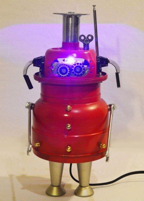 Cei mai simpatici roboti facuti din resturi - Poza 2