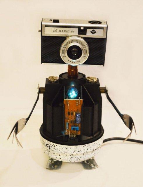 Cei mai simpatici roboti facuti din resturi - Poza 3