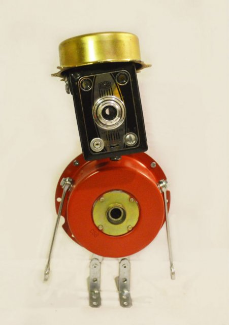 Cei mai simpatici roboti facuti din resturi - Poza 6