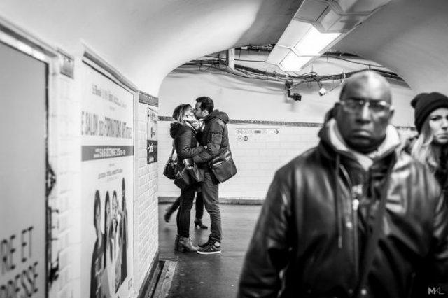 Dragoste stradala: Momente romantice, pe strazile cenusii - Poza 5