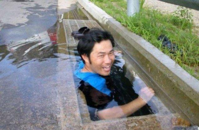Cele mai trasnite piscine improvizate - Poza 1