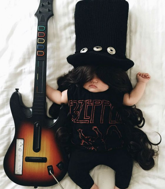Cea mai dulce fetita, in costume haioase - Poza 5