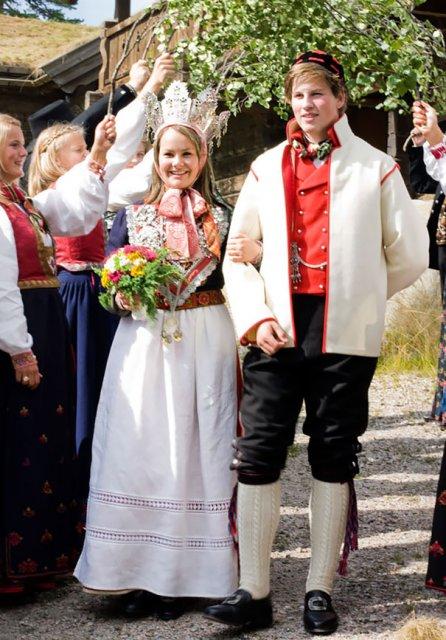 Tinute traditionale de nunta, din jurul lumii - Poza 8
