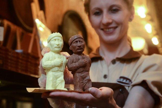 Arta, dulce arta: Creatii delicioase din ciocolata - Poza 17
