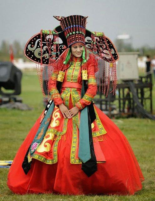 Tinute traditionale de nunta, din jurul lumii - Poza 5