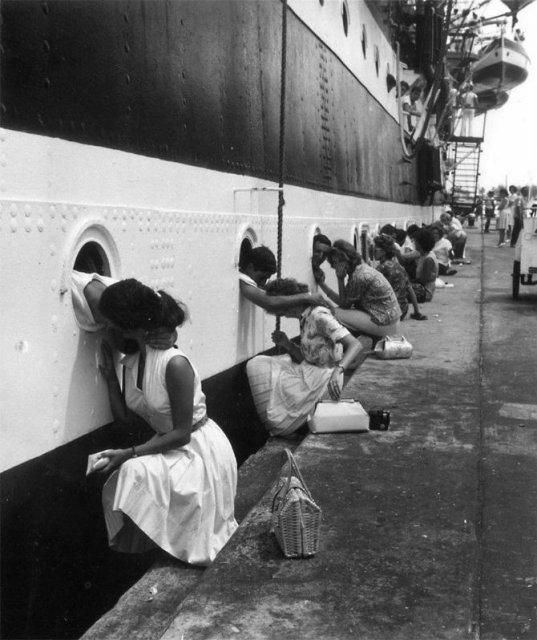 Intensitatea romantismului din timpul razboaielor - Poza 14