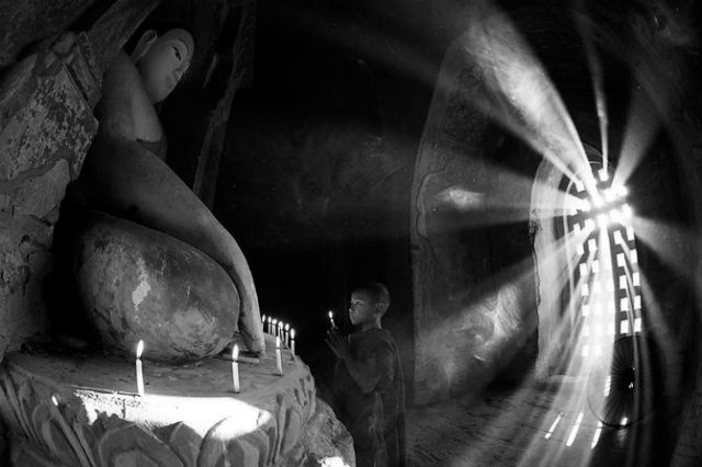 Copiii lumii, in poze alb-negru - Poza 13