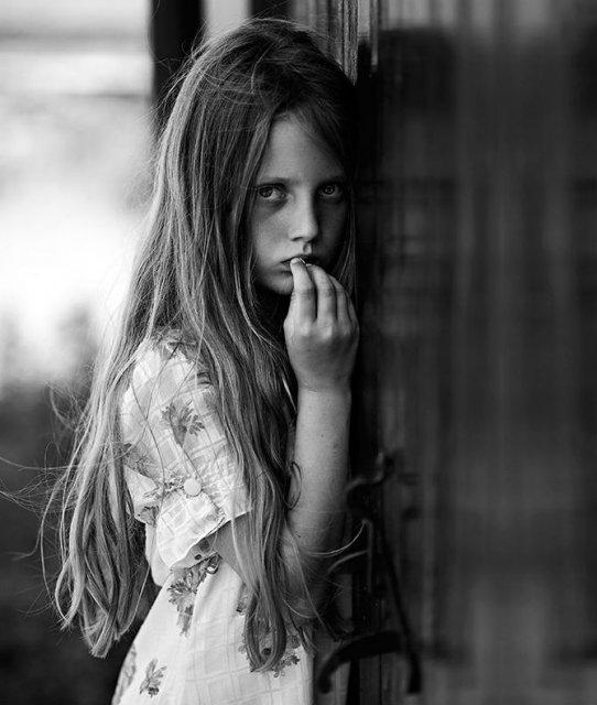 Copiii lumii, in poze alb-negru - Poza 14