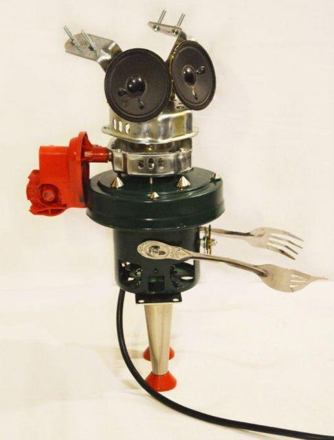 Cei mai simpatici roboti facuti din resturi - Poza 1