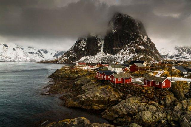 Un strop din frumusetea Norvegiei, in poze uluitoare - Poza 1