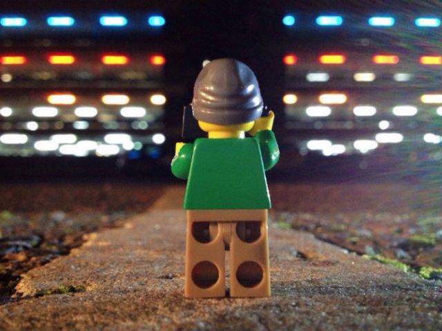 Aventurile unui omulet Lego prin Londra - Poza 1