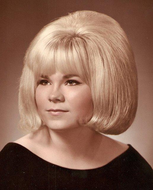 Marimea a contat mereu: Coafuri supradimensionate din anii `60 - Poza 19
