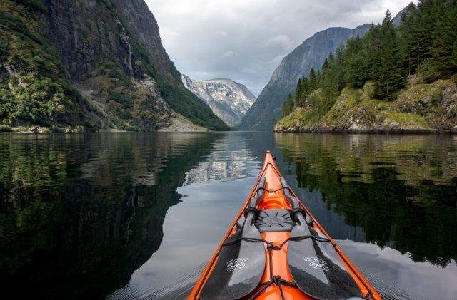 Un fotograf, un caiac si cele mai frumoase peisaje din lume - Poza 14