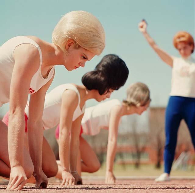 Marimea a contat mereu: Coafuri supradimensionate din anii `60 - Poza 17