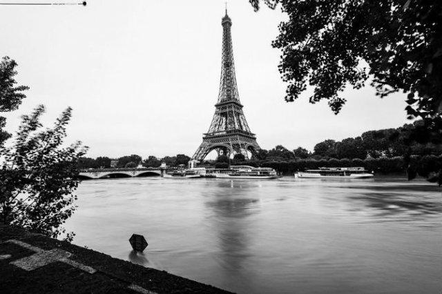 Parisul sub ape, in fotografii alb-negru - Poza 22