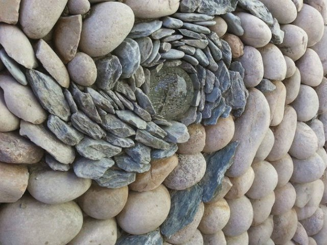 Fostul zidar care transforma piatra in arta - Poza 5