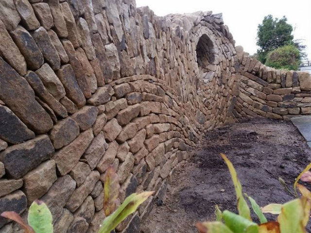 Fostul zidar care transforma piatra in arta - Poza 7