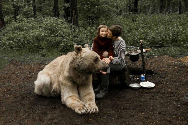 Cel mai simpatic urs, intr-o poveste de familie - Poza 8