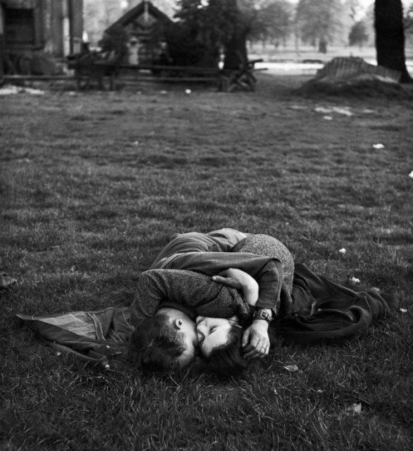 Intensitatea romantismului din timpul razboaielor - Poza 5