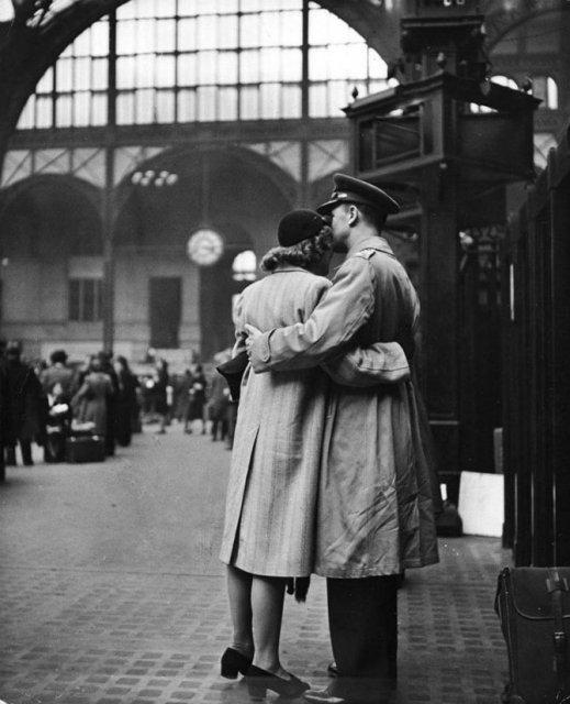 Intensitatea romantismului din timpul razboaielor - Poza 4