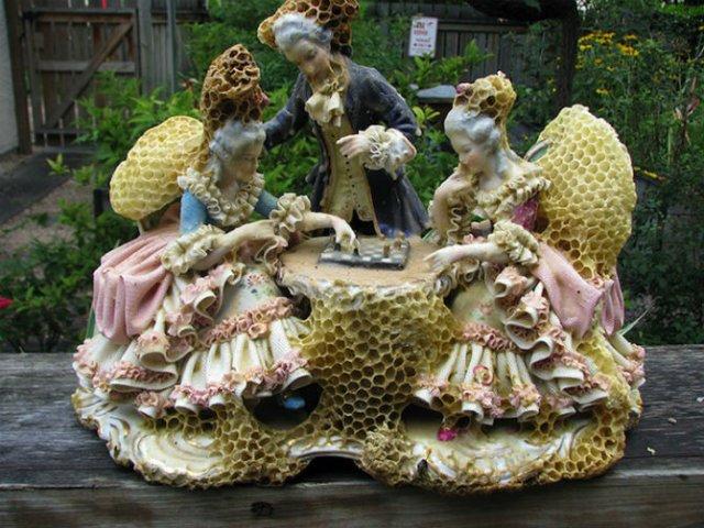 Sculpturi din portelan remodelate de albine - Poza 7