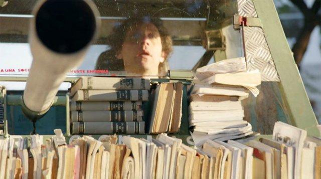 Arme de culturalizare in masa: Atacuri cu materiale de citit, in Argen - Poza 2