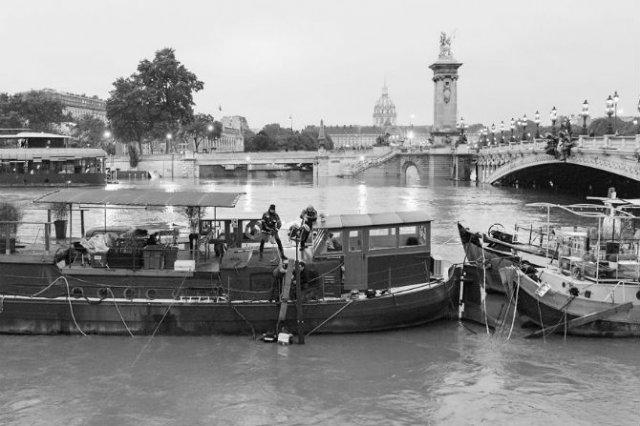 Parisul sub ape, in fotografii alb-negru - Poza 9